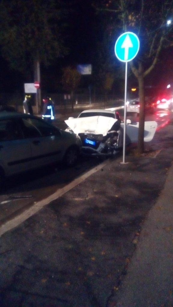 Incidente d'auto nei pressi del Lidl, 3 le auto coinvolte e disagi per la viabilità