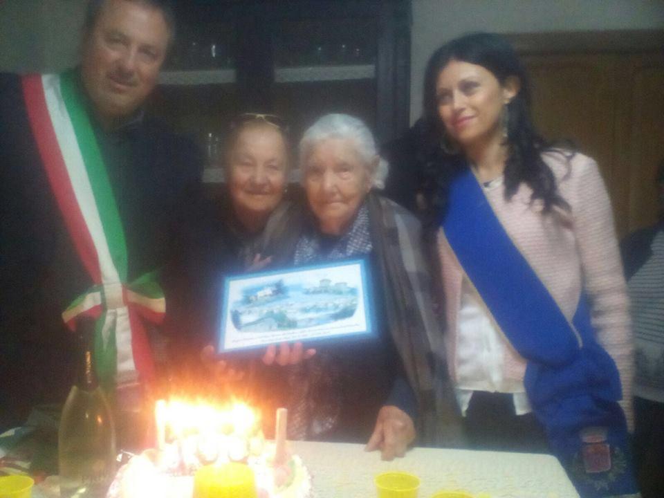 Ortucchio: grande festa per i cento anni di Rosaria Del Rosso