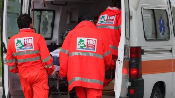 Bimba morta in ambulanza, indagato il padre