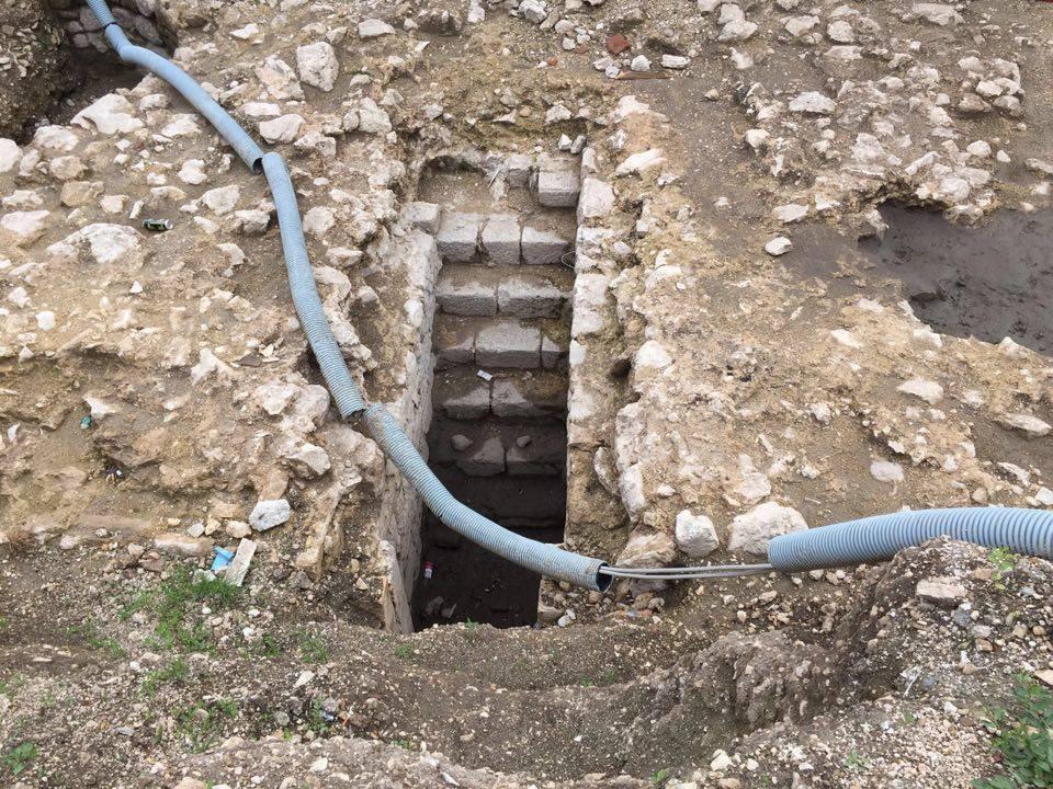 Spunta una scalinata romana a Trasacco
