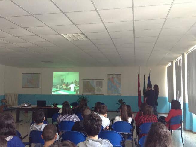 """Bullismo: agenti di Polizia alla scuola media """"Enrico Fermi"""""""