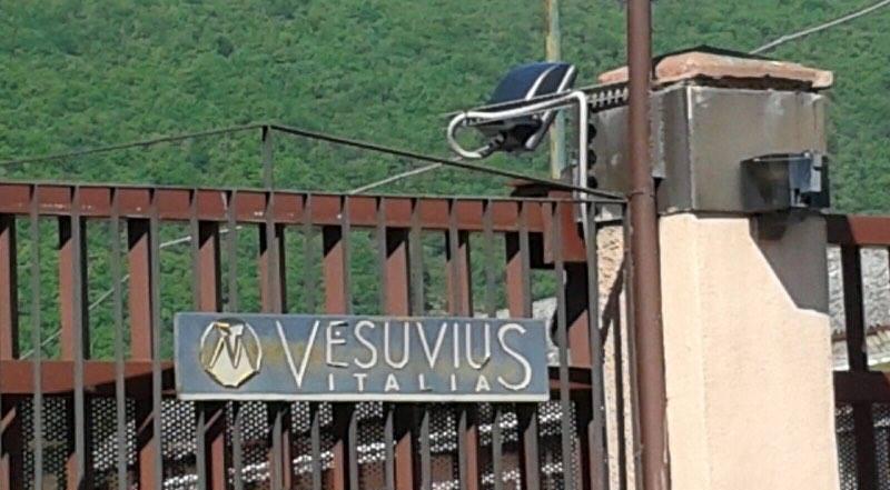 Termina l'occupazione: i dipendenti della Vesuvius tornano al lavoro