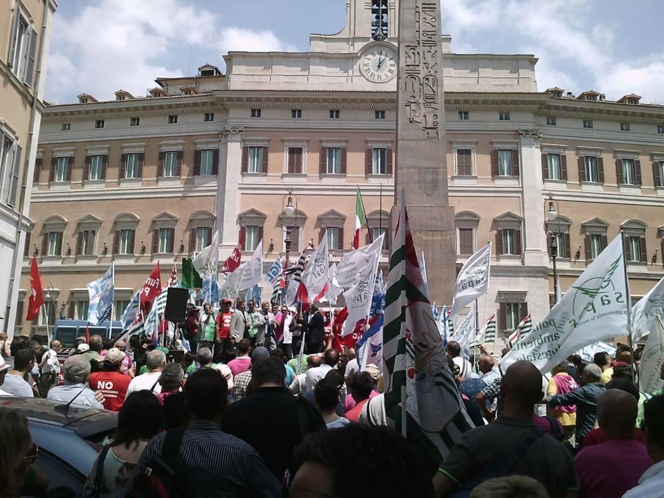 Forestale, Sapaf: 2.000 persone in piazza Montecitorio