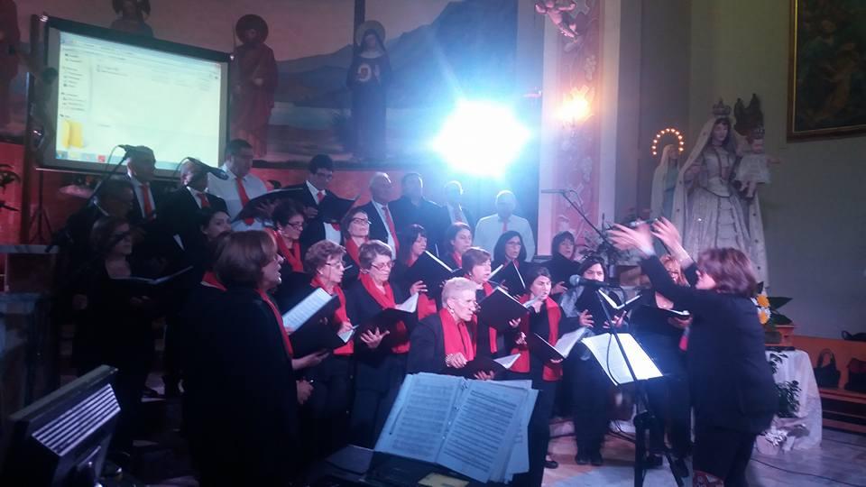 """Grande successo per il coro Giuseppe Corsi"""" di Celano a Borgo San Pietro"""