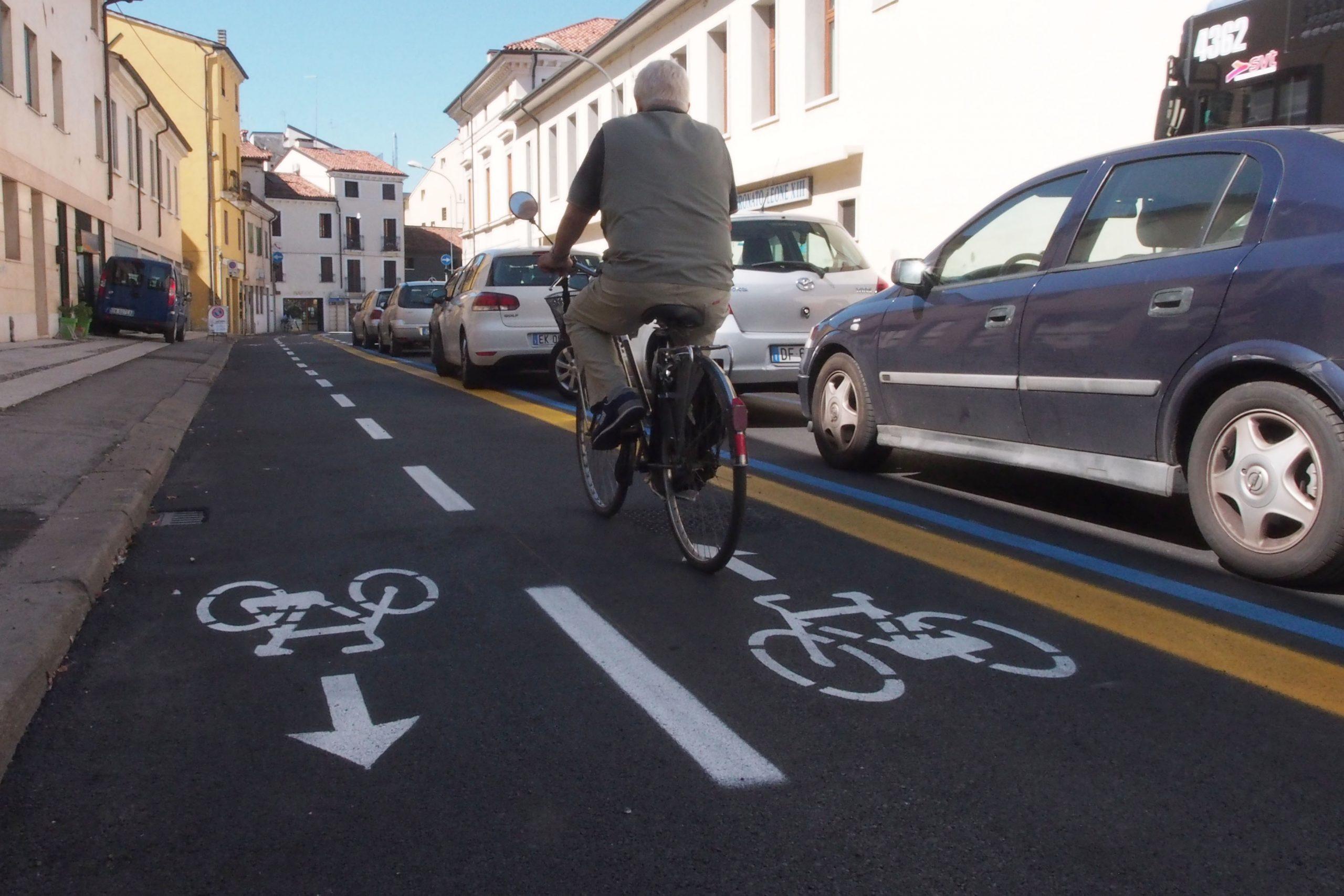 """""""Il diritto alla mobilità alternativa"""", tavola rotonda a piazza Risorgimento in attesa dell'inaugurazione della nuova pista ciclabile"""