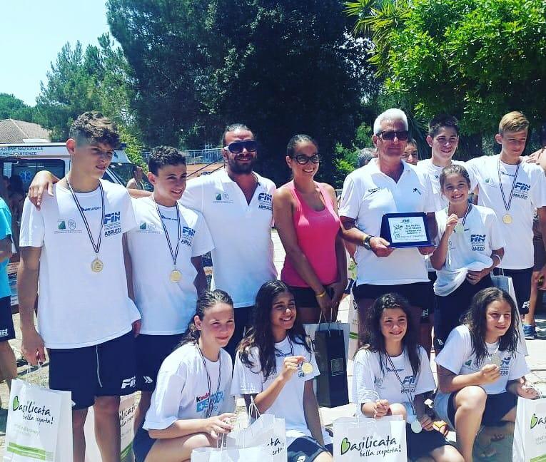 Nuoto, Alessandro Bianchi conquista l'oro a Scanzano Jonico. Ad Agosto parteciperà ai campionati italiani di categoria