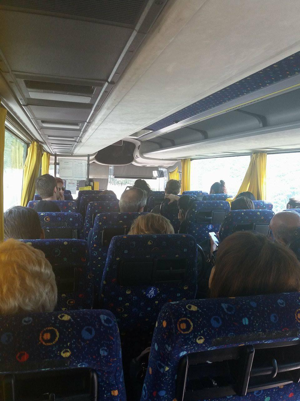 Ancora disagi Tua. I pendolari della linea L' Aquila - Avezzano fermi sotto il sole in autostrada