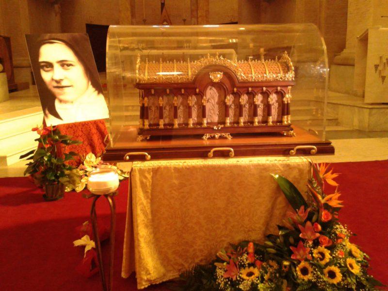 Paterno accoglie le reliquie di Santa Teresina e dei suoi genitori