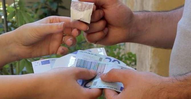 Spaccio di cocaina in pieno centro ad Avezzano: magrebino fermato dai carabinieri