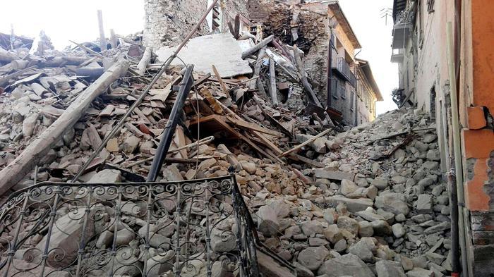 Raccolta di aiuti umanitari per le popolazioni colpite dal sisma