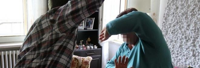 Aggressioni e minacce nei confronti dei genitori e della nonna. Arrestato un giovane marsicano