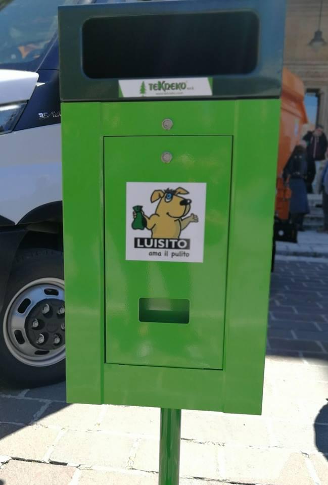 """Avezzano: Installazione delle """"Toilette Dog"""""""