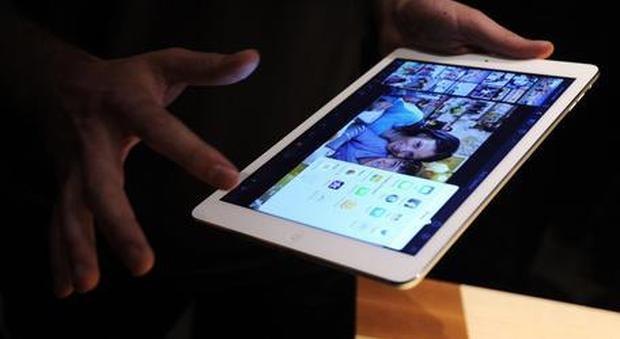 Furto di smartphone e tablet all'Euronics