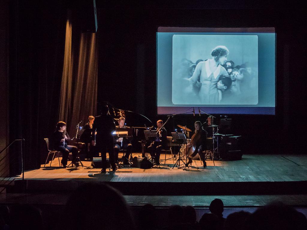 """Teatro dei Marsi: il capolavoro di Fritz Lang, 'Metropolis', rivive sulle note de """"I Solisti Lombardi"""""""