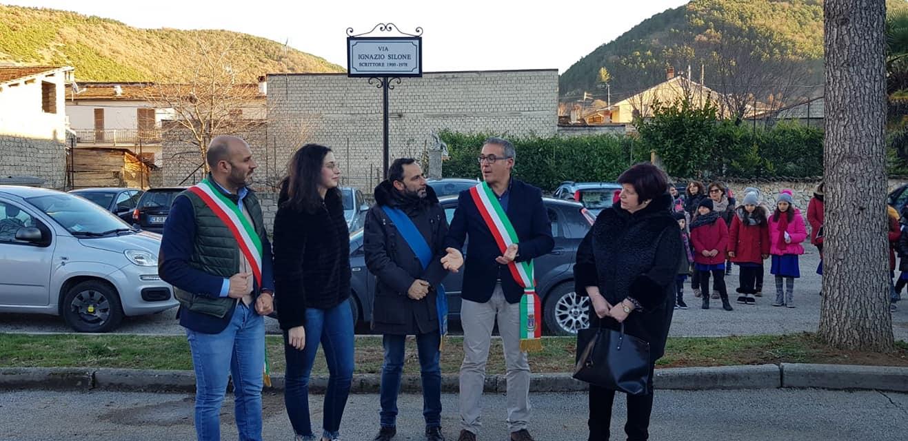 Dedicata allo scrittore Silone la strada antistante la scuola media di Lecce nei Marsi