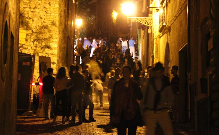 Si alza il sipario su Gironi divini, percorso enogastronomico made in Abruzzo. Attesa per il torneo del vino
