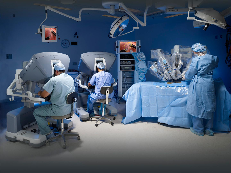 l'aquila, chirurgia addominale: eccellenti risultati con l'impiego del robot da vinci: interventi molto complessi effettuati con mini incisioni che favoriscono rapidi recuperi e degenze brevi.