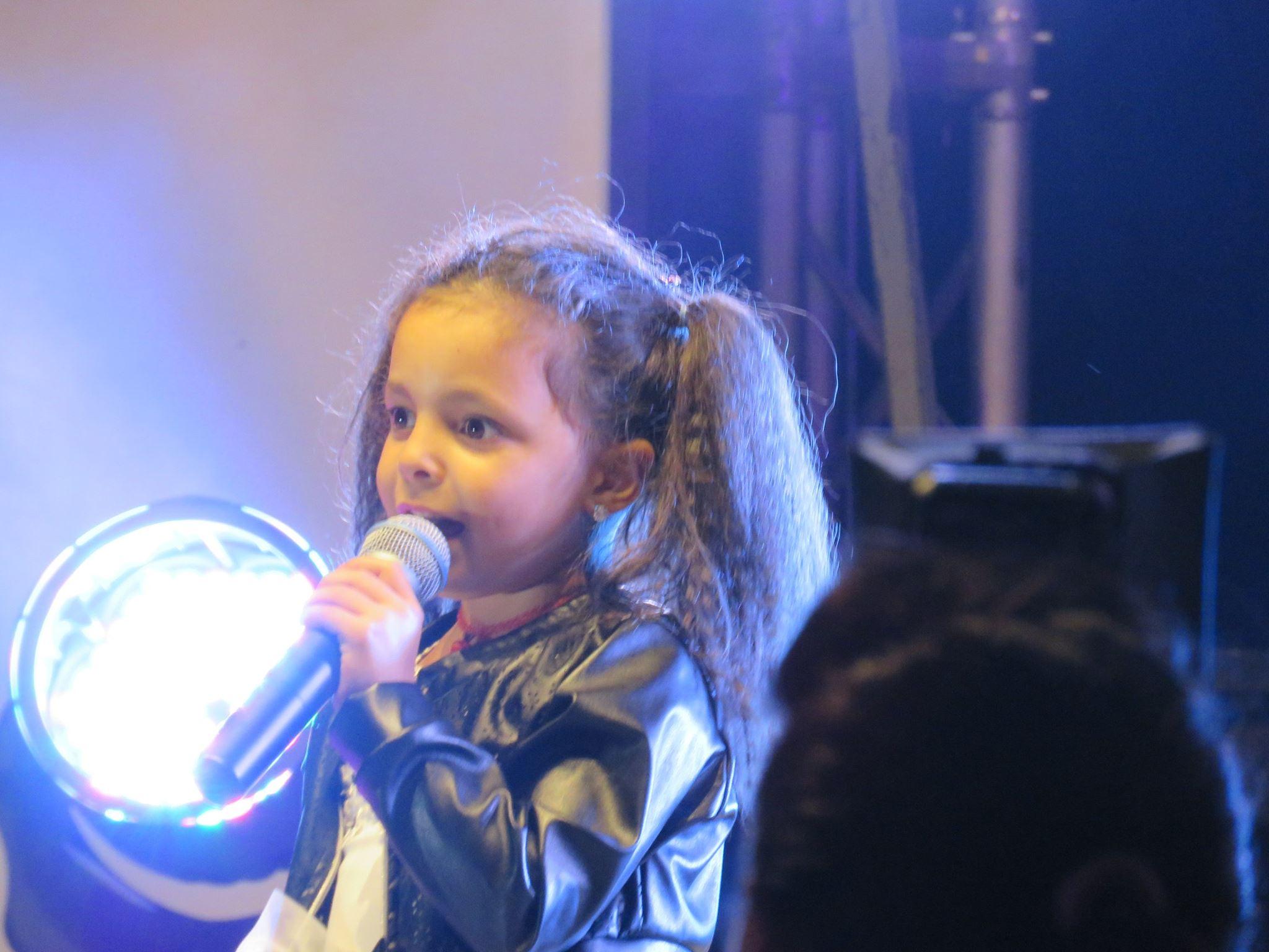 La piccola Angelica tra i big della musica emergente
