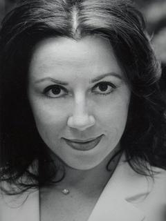 Il Mezzosoprano Anna Maria Di Micco in concerto ad Avezzano