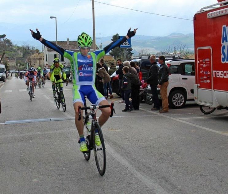 Ciclismo: il celanese Tirabassi si laurea vice campione italiano in terra toscana