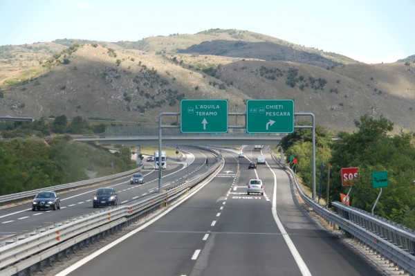 """Autostrade A24 e A25, FORUM H20, """"una saga la trasparenza al MIT sul piano da 3 miliardi di Toto"""""""