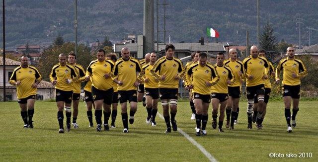 Rugby, l'Avezzano perde all'ultimo secondo in Campania ma prende un punto di bonus