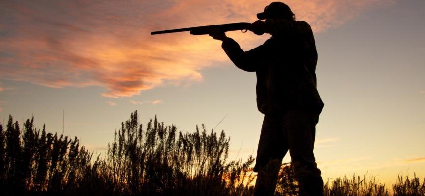 """WWF """"Basta regali ai cacciatori. No a preapertura e prolungamenti dei periodi di caccia"""""""