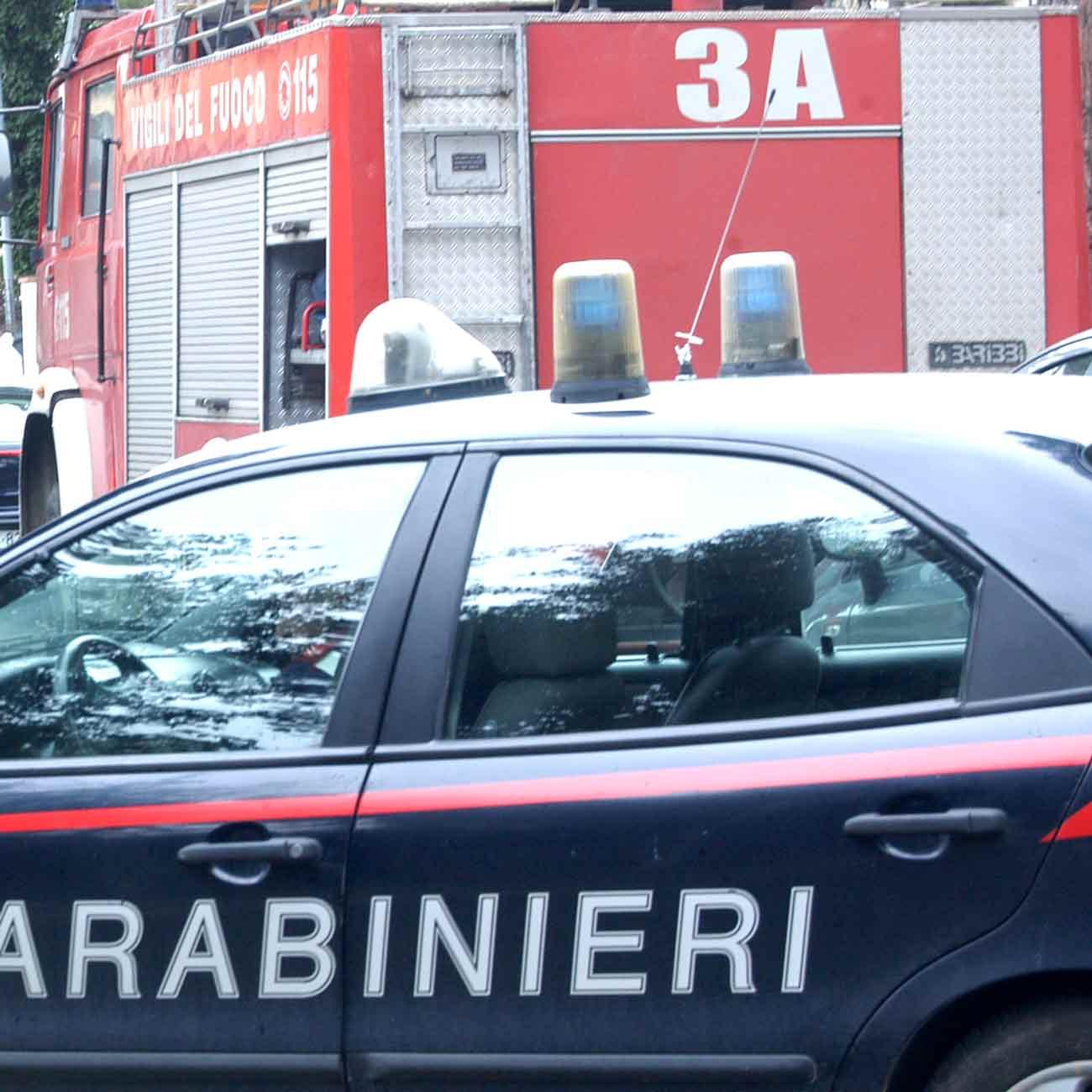 A 85 anni cade in casa, la salvano i carabinieri e i vigili del fuoco