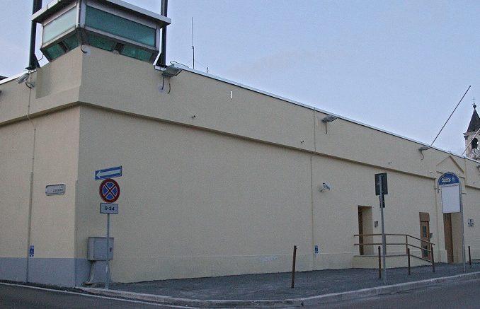 Spacciano droga e feriscono Carabiniere: arrestati