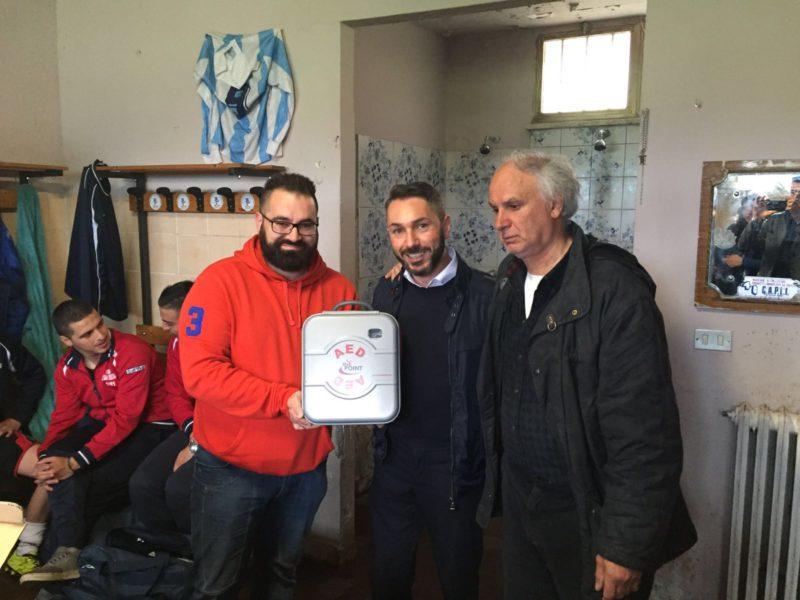 La lista Prospettiva futura raccoglie l'invito del Villa Calcio e dona alla squadra un defibrillatore