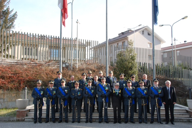 """Guardia di Finanza, consegnate """"Medaglie Mauriziane"""" al merito"""