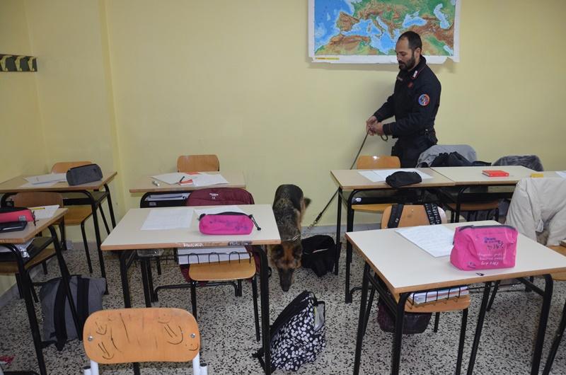 Tagliacozzo: Carabinieri nelle scuole per un servizio antidroga