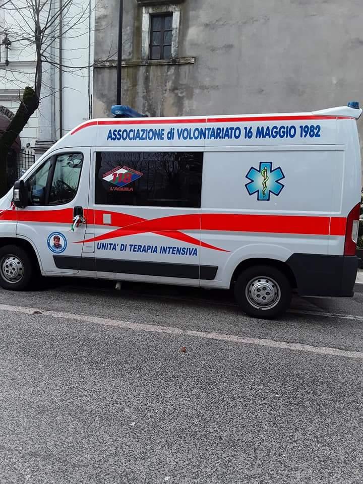 Incidente alle porte del paese: giovane in ospedale