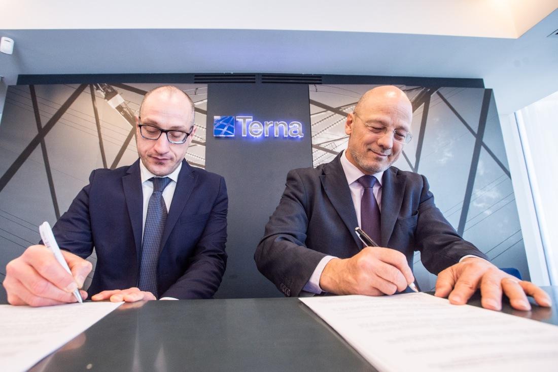 Siglato l'accordo per la nuova stazione elettrica di Celano