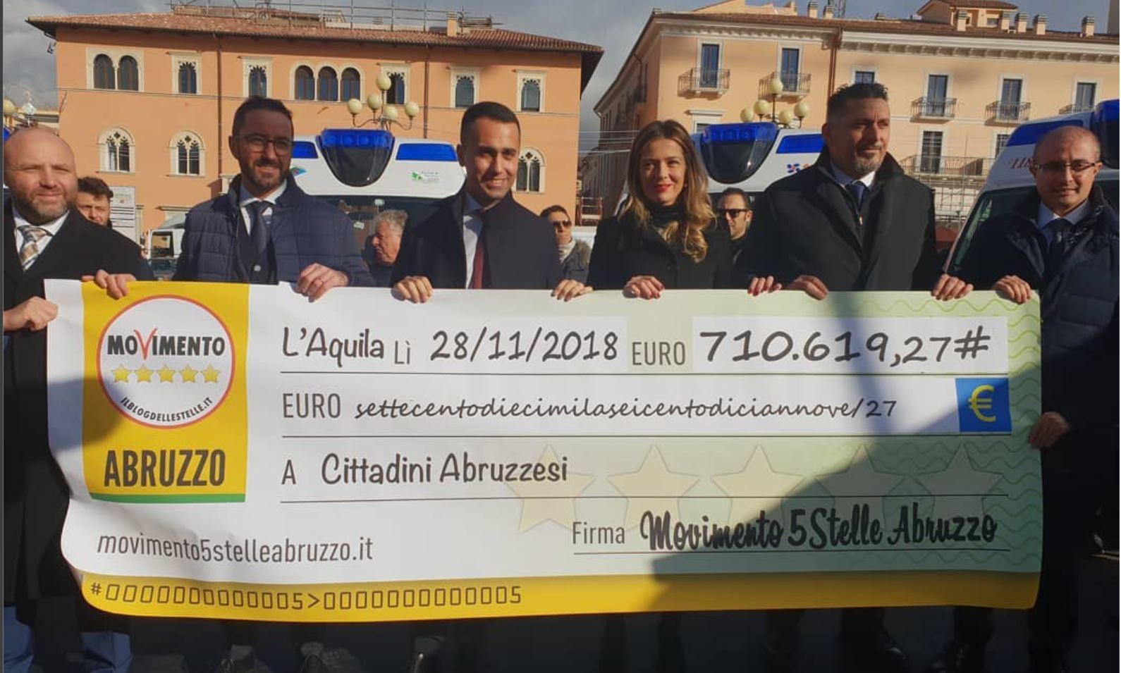 Restitution Day 2018 del M5S, i consiglieri regionali consegnano quattro ambulanze ai dirigenti delle Asl Abruzzesi