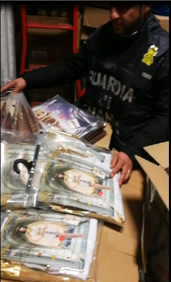 Sequestrati 800 articoli di Carnevale nei negozi cinesi