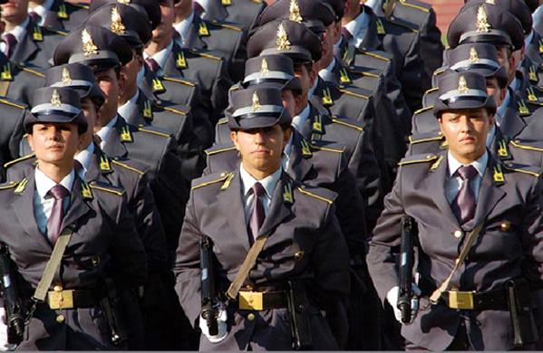 Guardia di Finanza, bando di concorso per il reclutamento di 461 marescialli