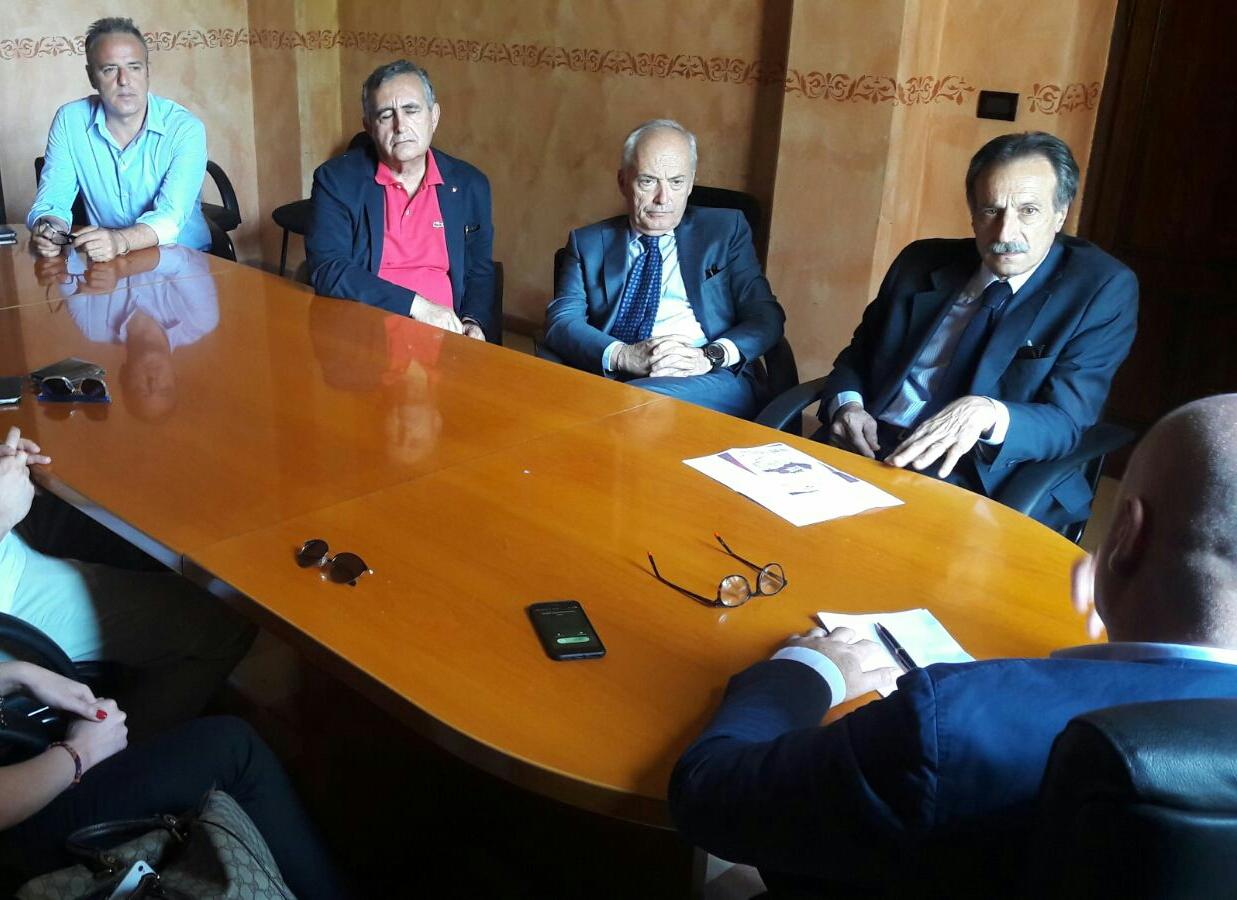 Tribunale di Avezzano, De Angelis incontra in Comune il presidente dell'ordine degli avvocati Colucci