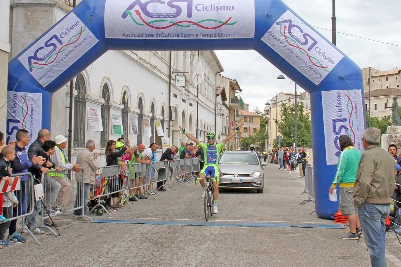 Ciclismo, trionfo per Antonello Tirabassi nella Gran Fondo Alte Cime d'Abruzzo