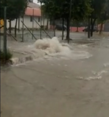 Trasacco: gigantesca fuoriuscita d'acqua in via Terminillo