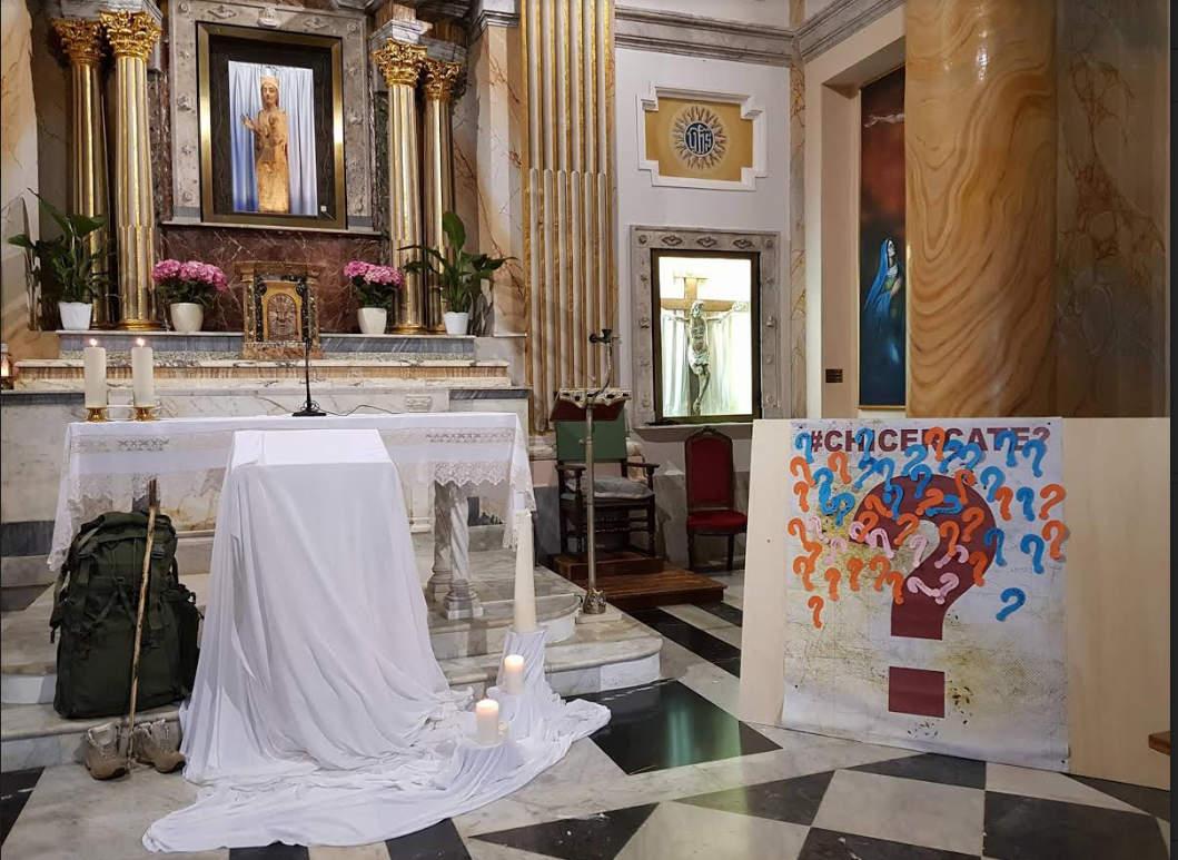 """Il Vescovo Santoro incontra i giovani """"Sono venuto qui non per farvi la predica ma per ascoltarvi"""""""