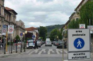 Isola pedonale nel centro di Avezzano, il Comune fornisce precisazioni per i residenti