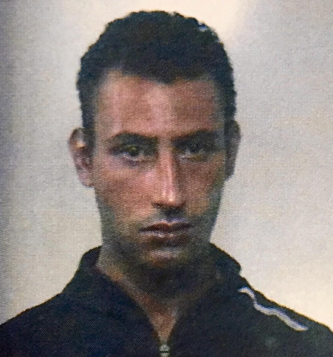 Rapina un anziano, raggiunto dai carabinieri getta la droga e li aggredisce. Arrestato