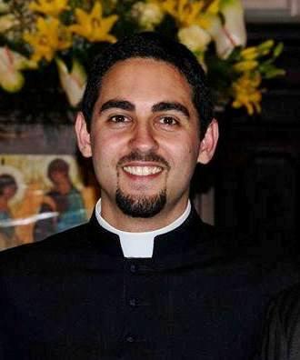 Il Vescovo Pietro Santoro ordina Diacono Lorenzo Macerola