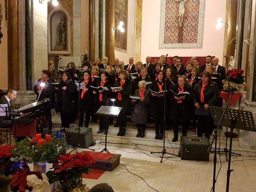 """Grande successo per le """"Voci di Natale"""" della corale di Morino"""