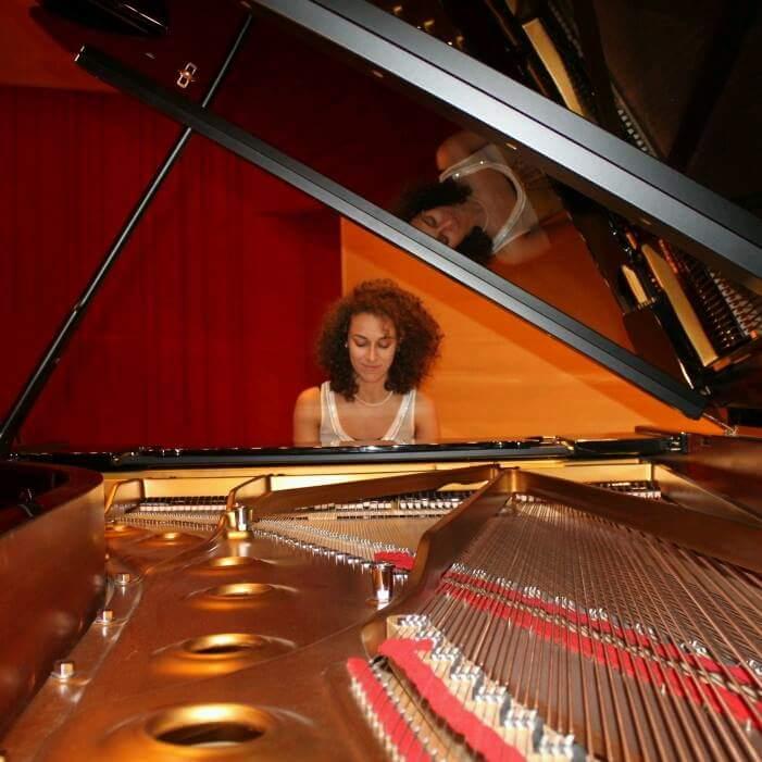 Laura Sebastiani, giovane promessa del pianoforte, a Rocca di Mezzo