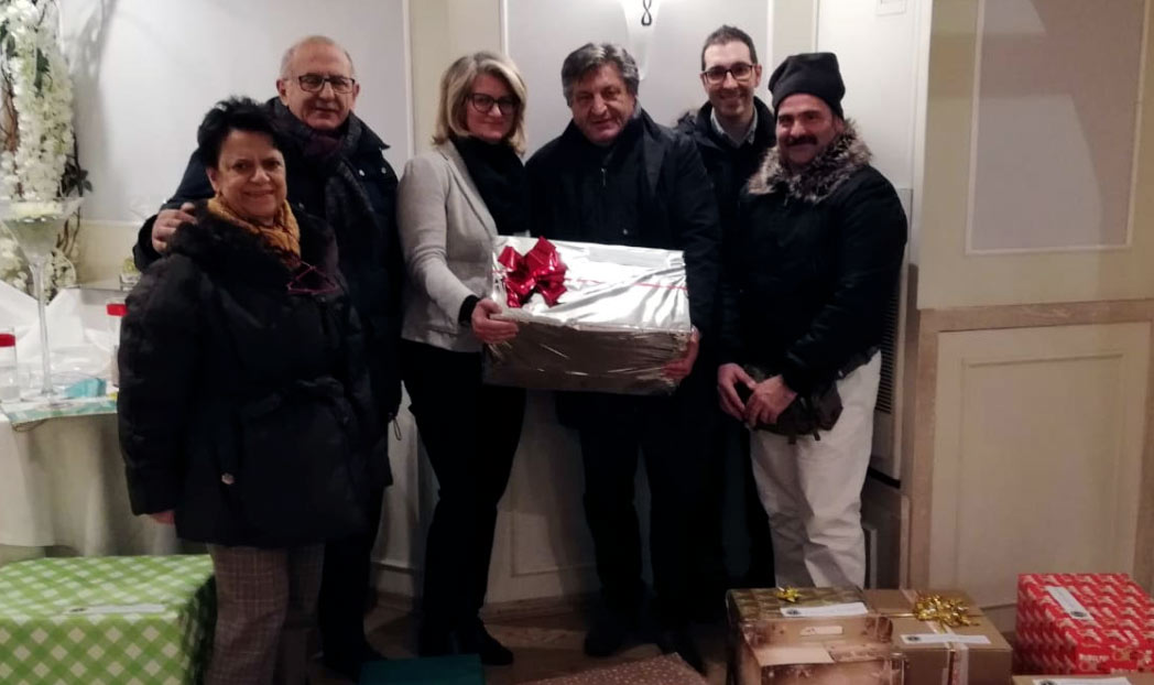 """Il Lions Club di Avezzano consegna i pacchi per le famiglie bisognose al Centro Famiglia """"Amore e vita"""""""