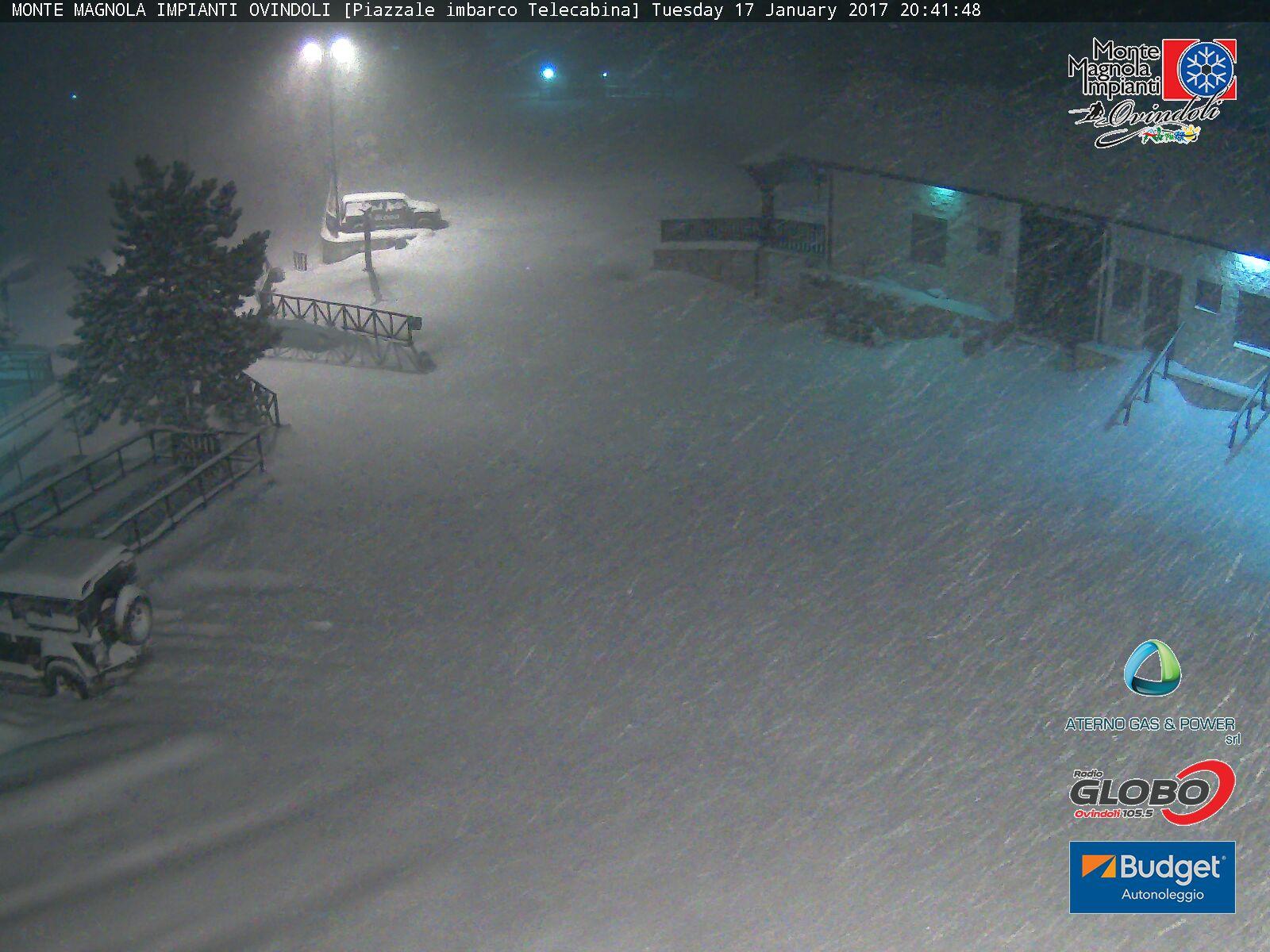 """E' arrivata la """"grande"""" neve. Domani scuole chiuse a Ovindoli e a Rocca di Mezzo"""