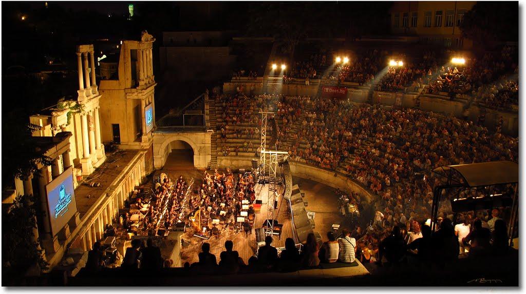 """Jacopo Sipari inaugura con la """"sua"""" MADAMA BUTTERFLY uno dei Festival più belli al mondo"""