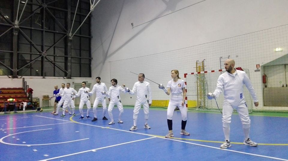 """Sport e amicizia per gli allenamenti del circolo Scherma """"I Marsi"""" con l'Accademia Scherma di Pescara"""